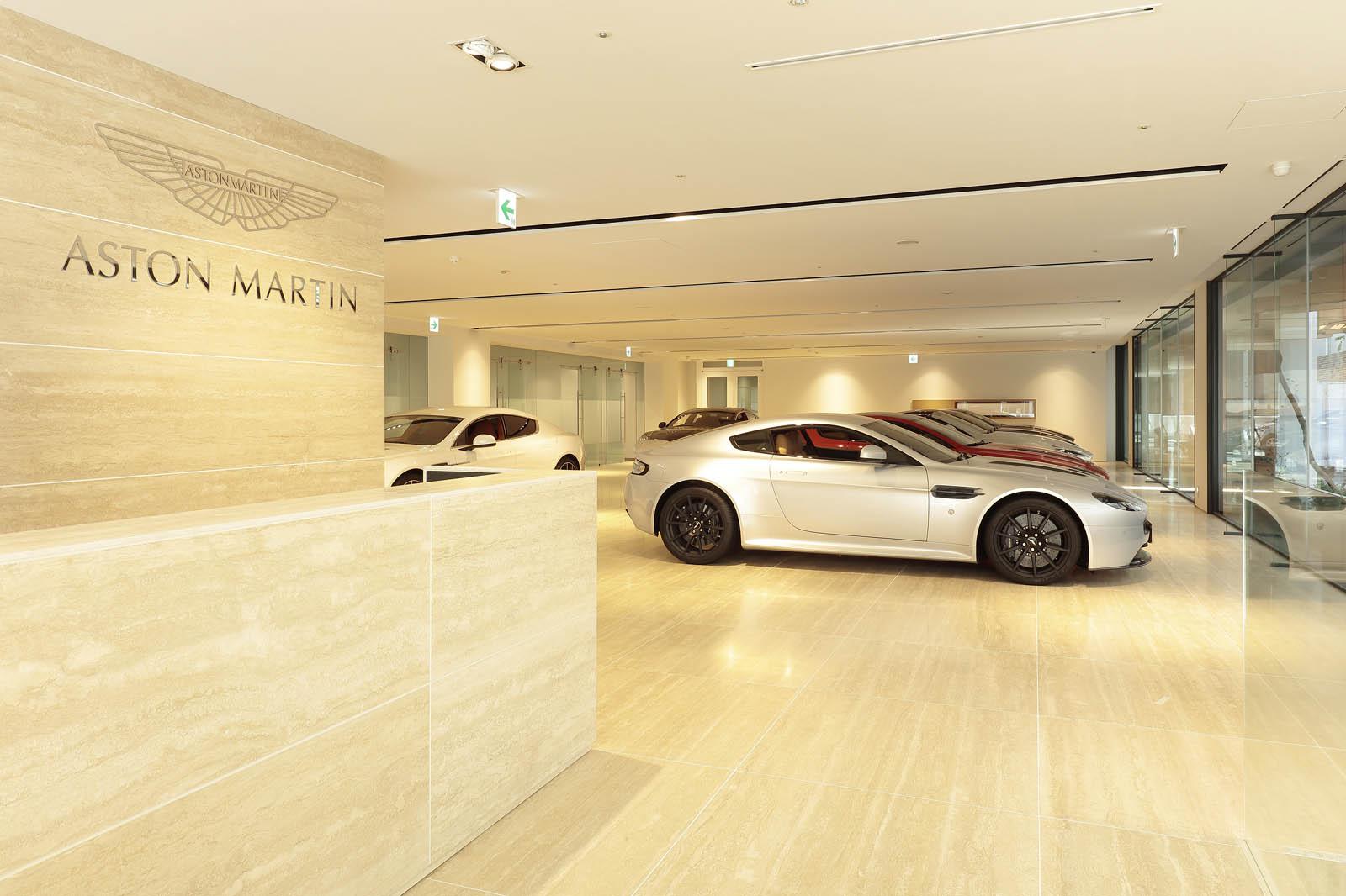 Aston_Martin_Tokyo_04