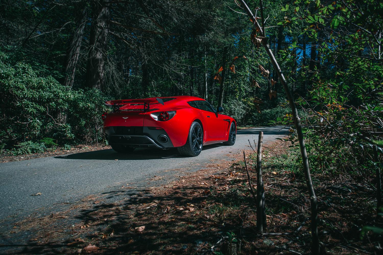 Aston_Martin_V12_Zagato_0018