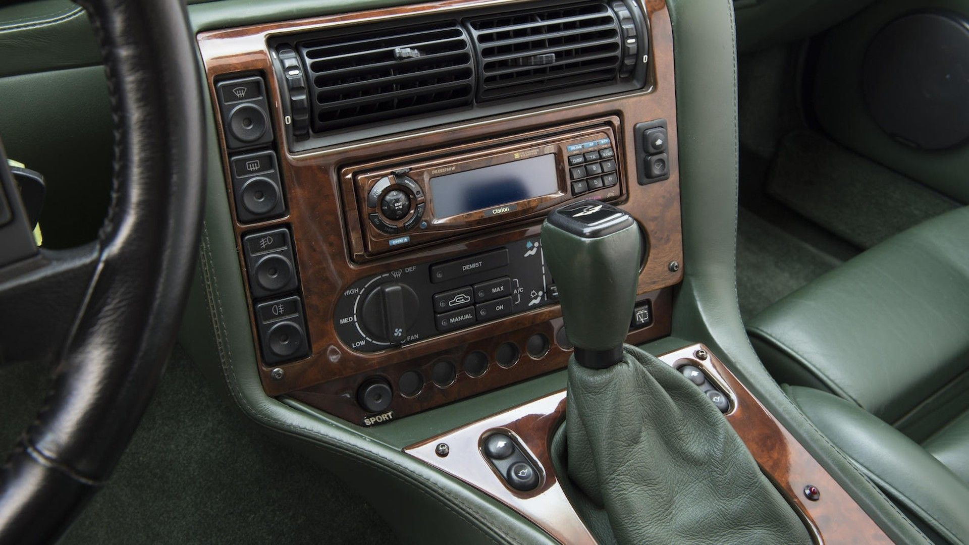 1996-aston-martin-v8-sportsman-estate (15)