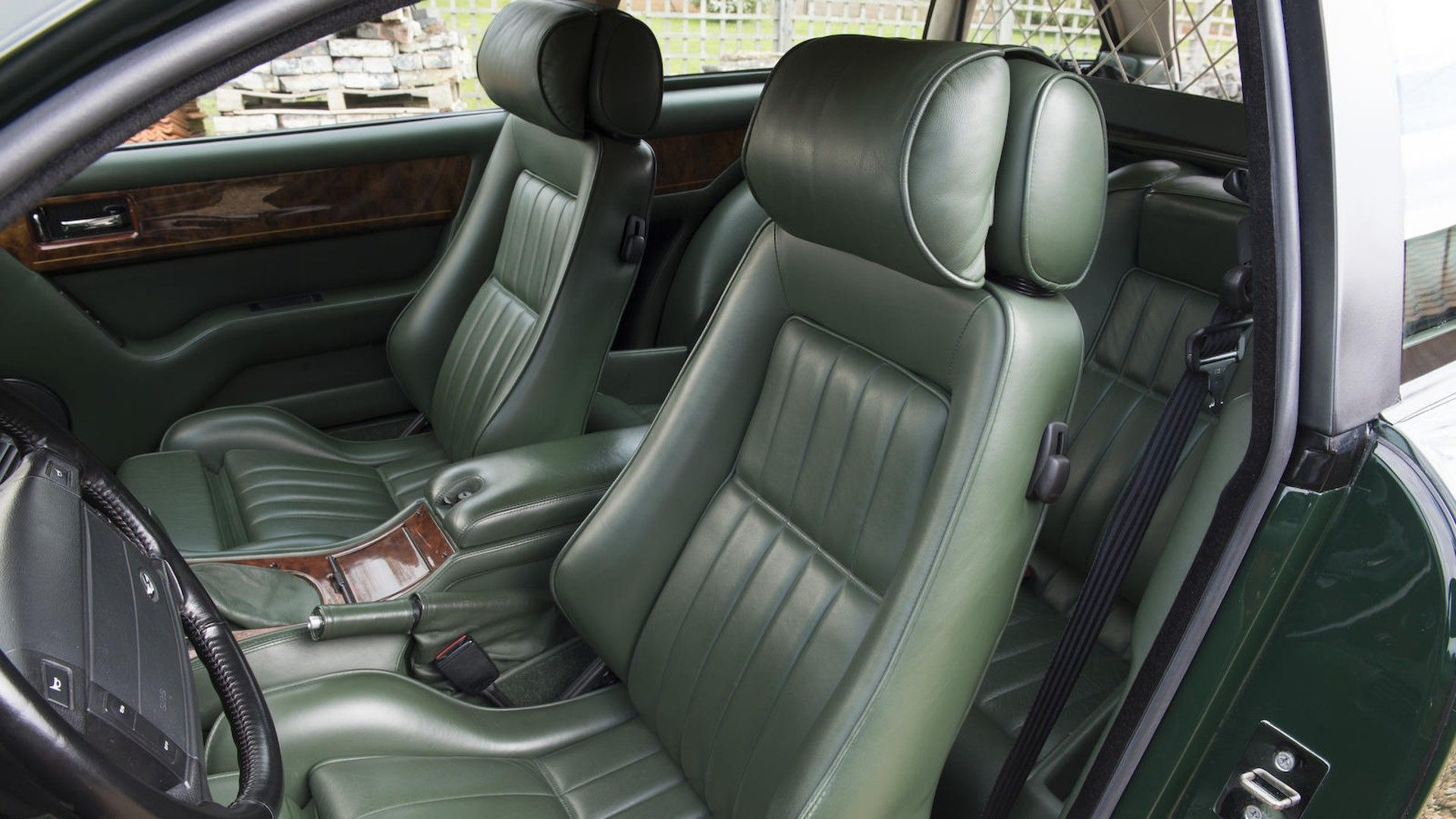 1996-aston-martin-v8-sportsman-estate (17)