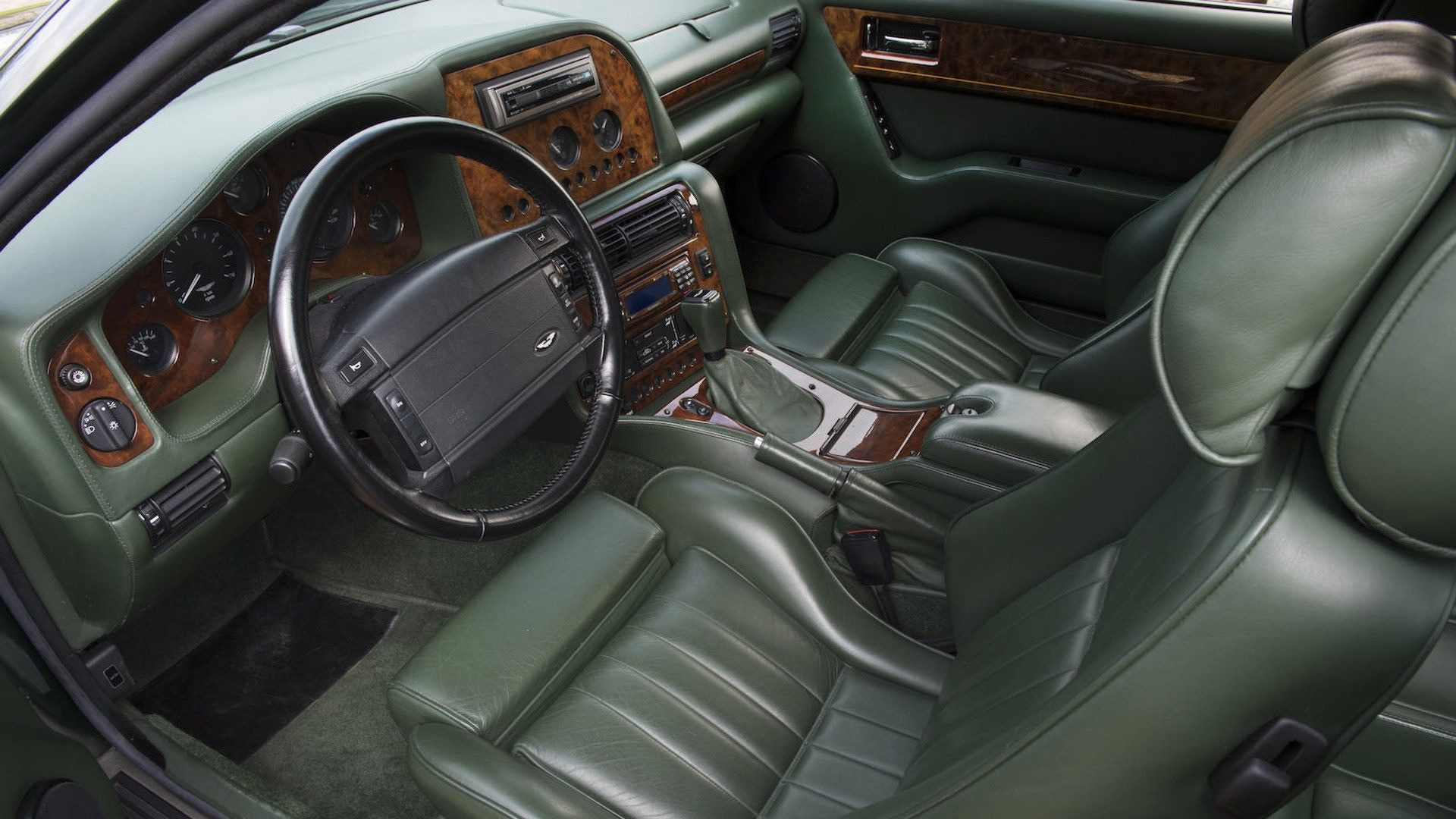 1996-aston-martin-v8-sportsman-estate (18)