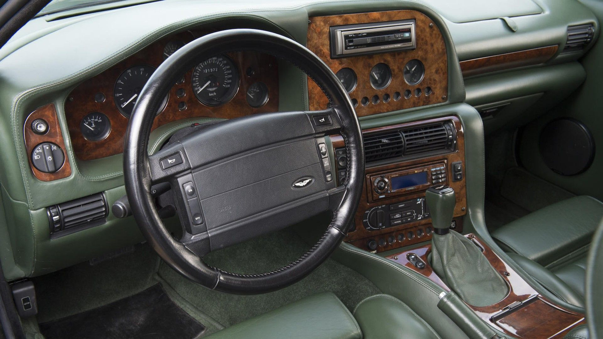 1996-aston-martin-v8-sportsman-estate (20)
