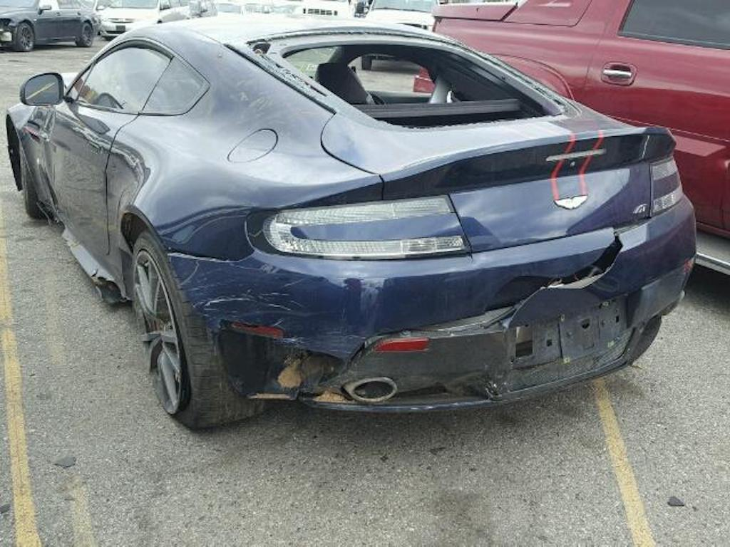Aston Martin V8 Vantage Crash (4)