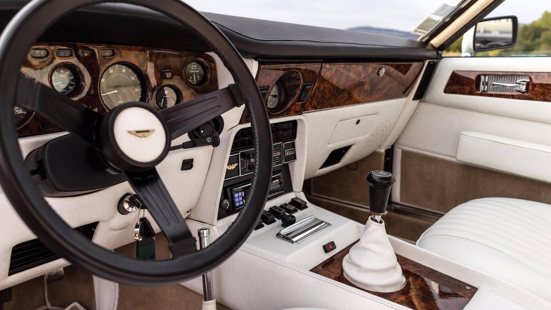 1983-aston-martin-v8-vantage-oscar-india (12)