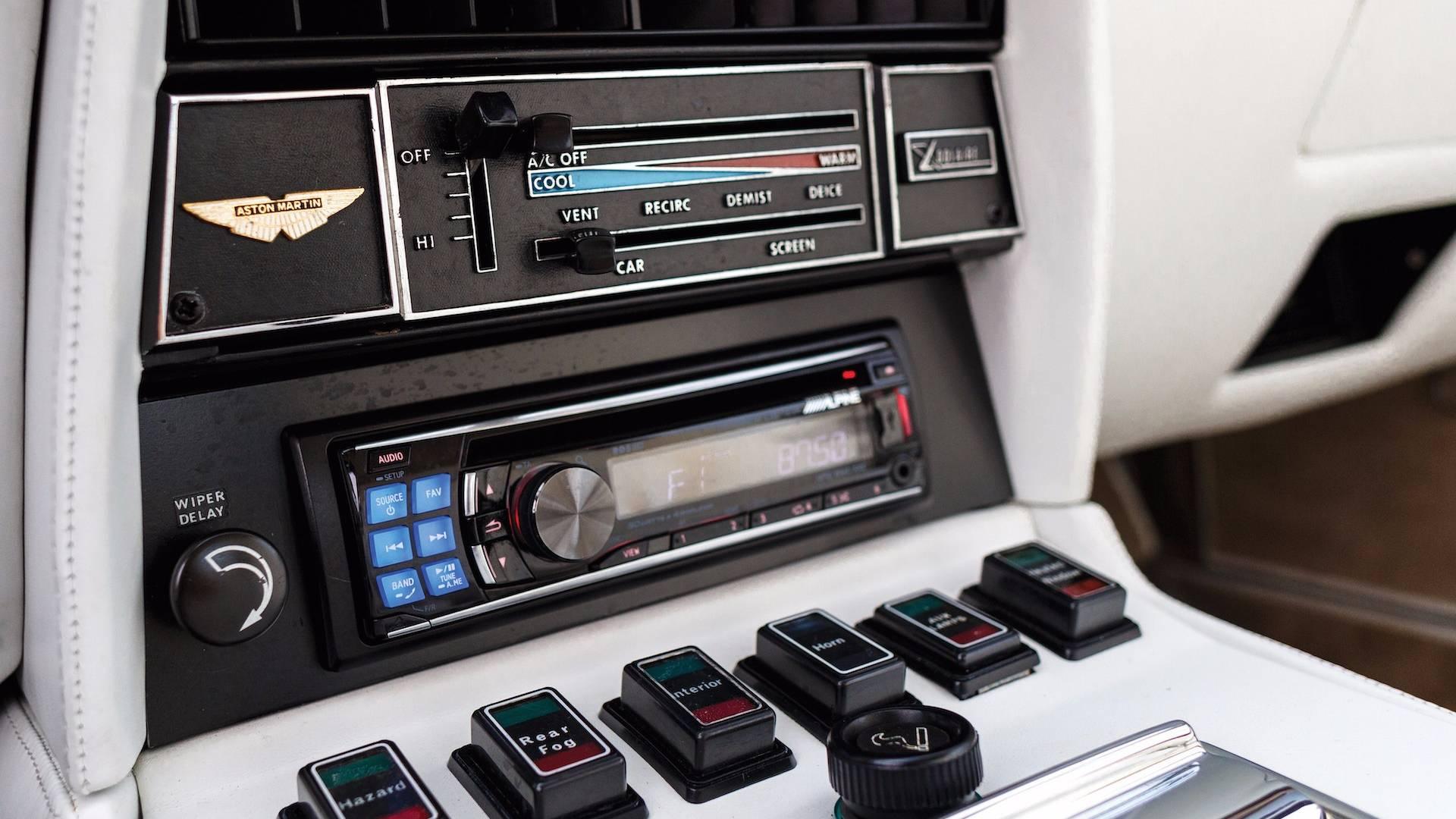 1983-aston-martin-v8-vantage-oscar-india (15)