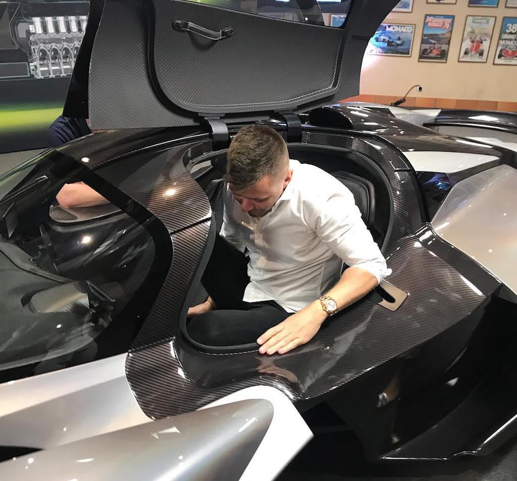 Aston Martin Valkyrie production (2)