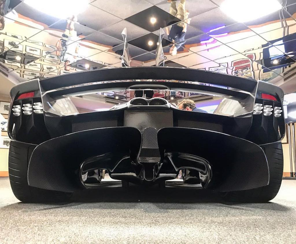 Aston Martin Valkyrie production (4)