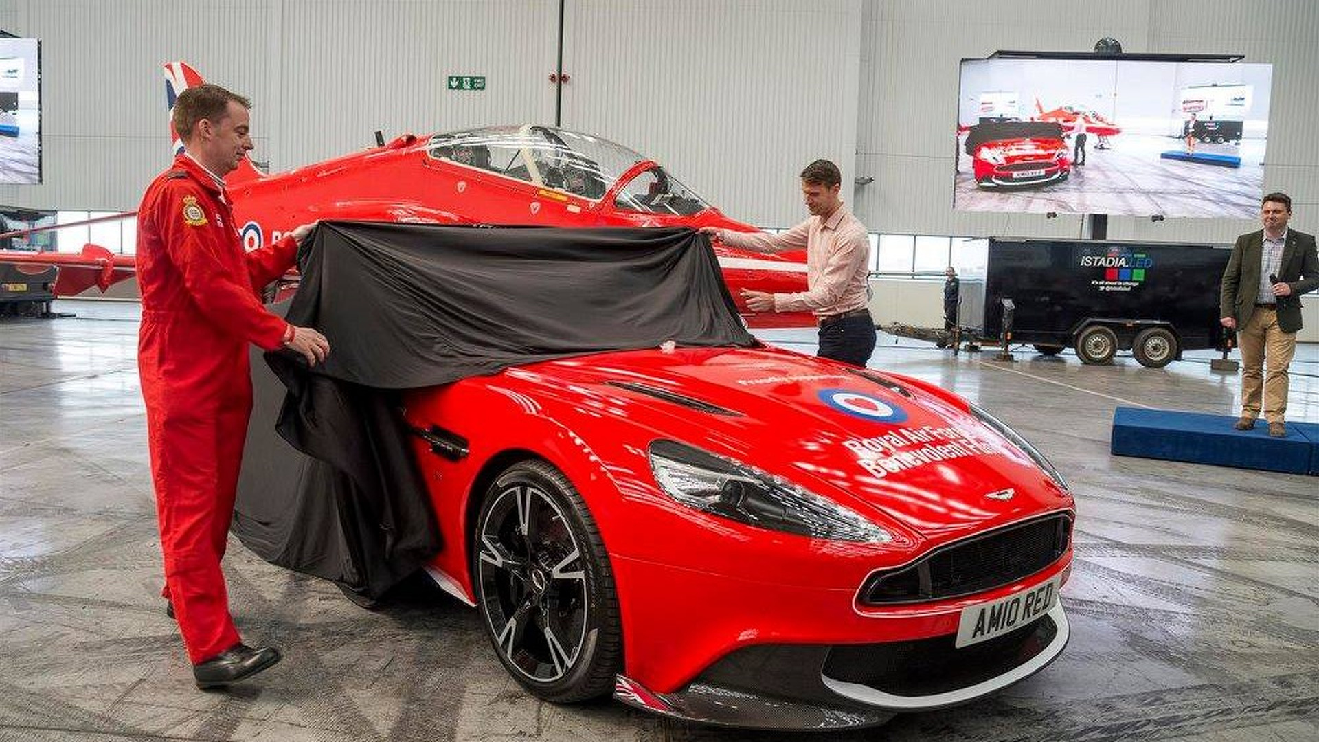 Aston Martin Vanquish S Red Arrows Edition (6)