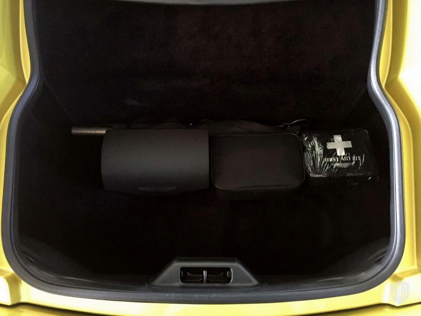 Aston Martin Vanquish Zagato yellow (11)