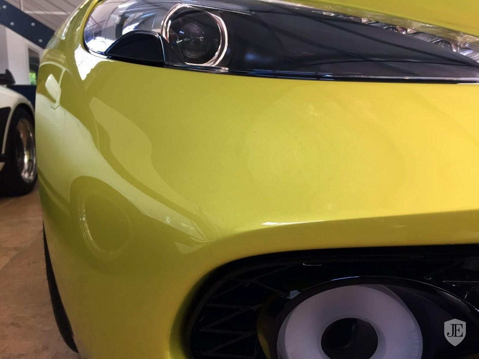 Aston Martin Vanquish Zagato yellow (12)