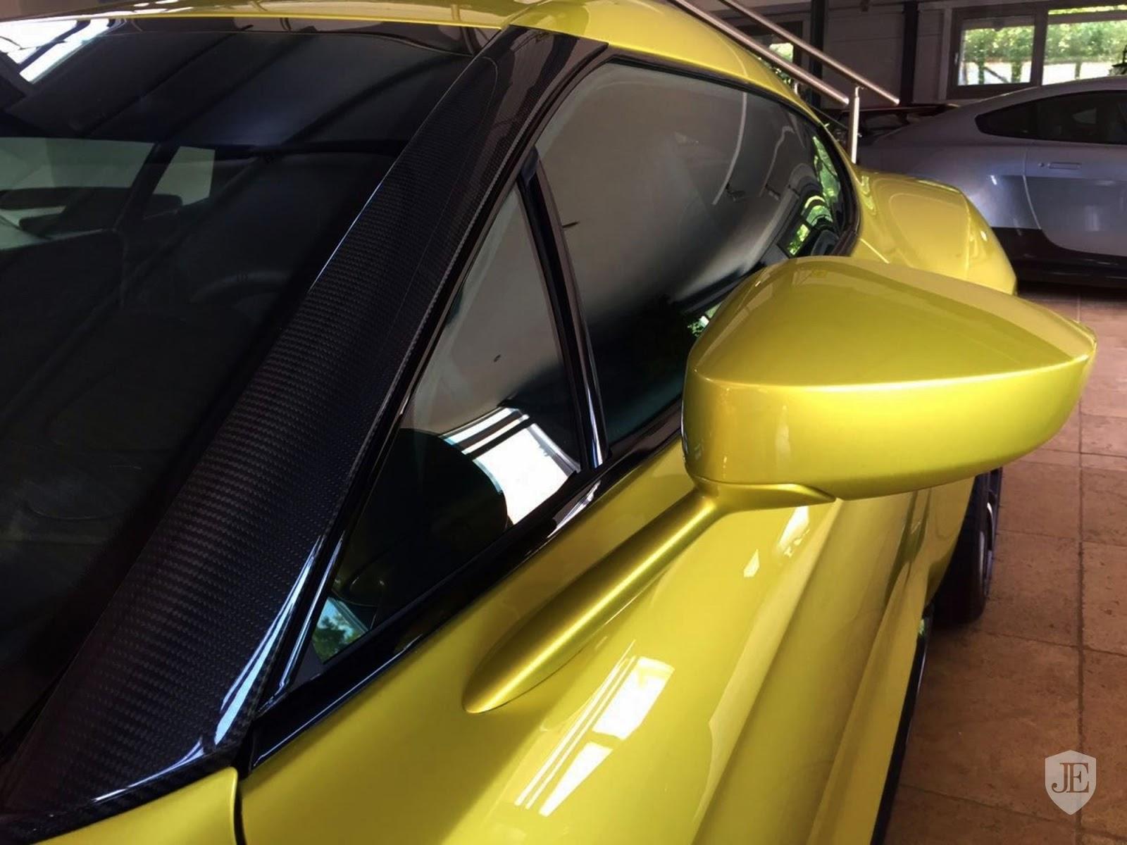 Aston Martin Vanquish Zagato yellow (16)