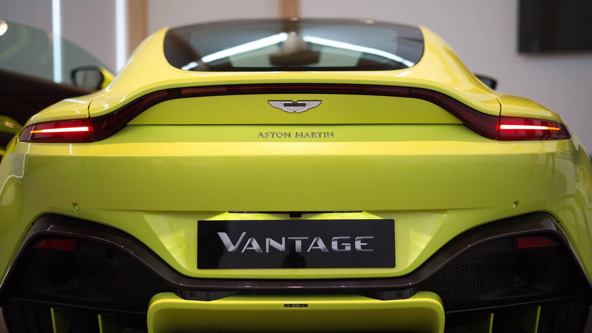 2018-aston-martin-vantage (39)