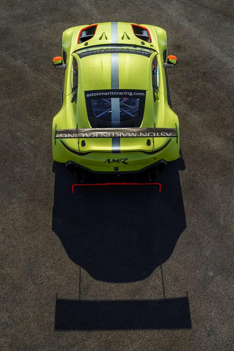 Aston_Martin_Vantage_GTE_04