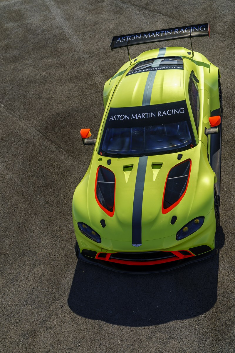 Aston_Martin_Vantage_GTE_05