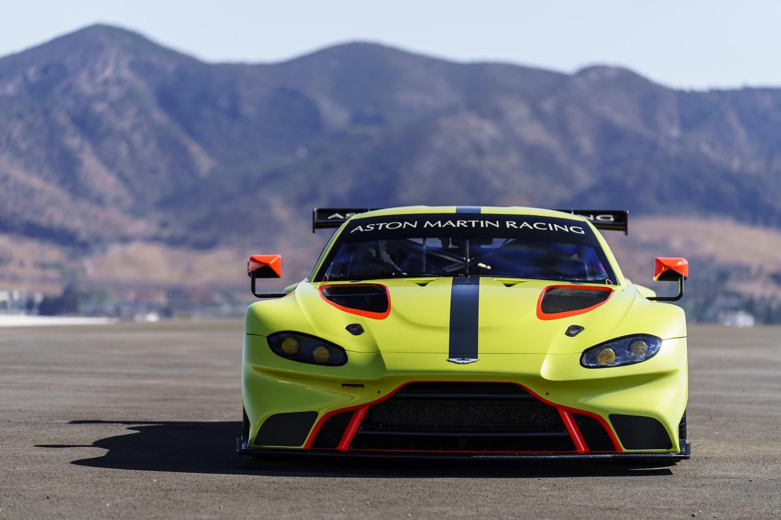 Aston_Martin_Vantage_GTE_06