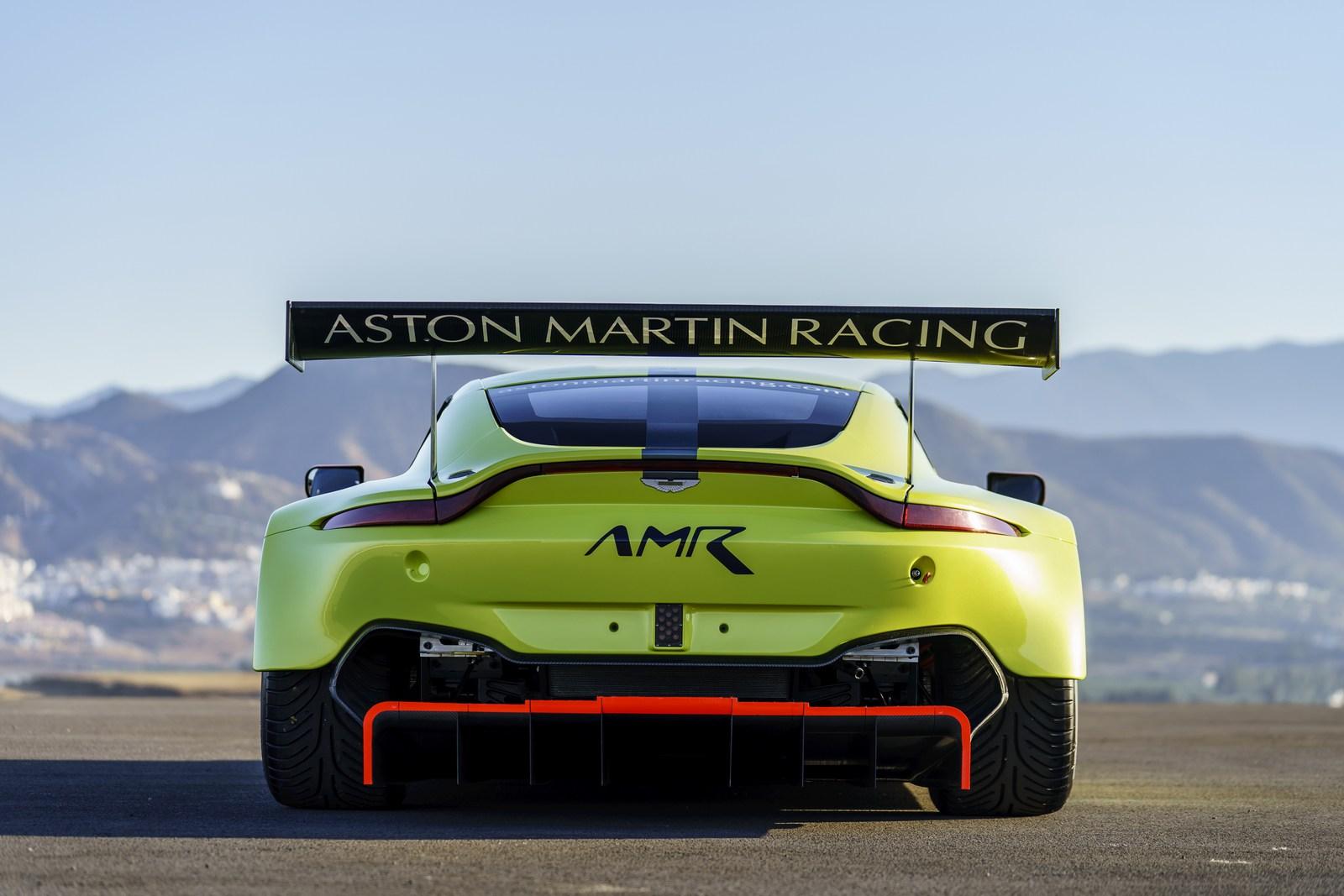 Aston_Martin_Vantage_GTE_09