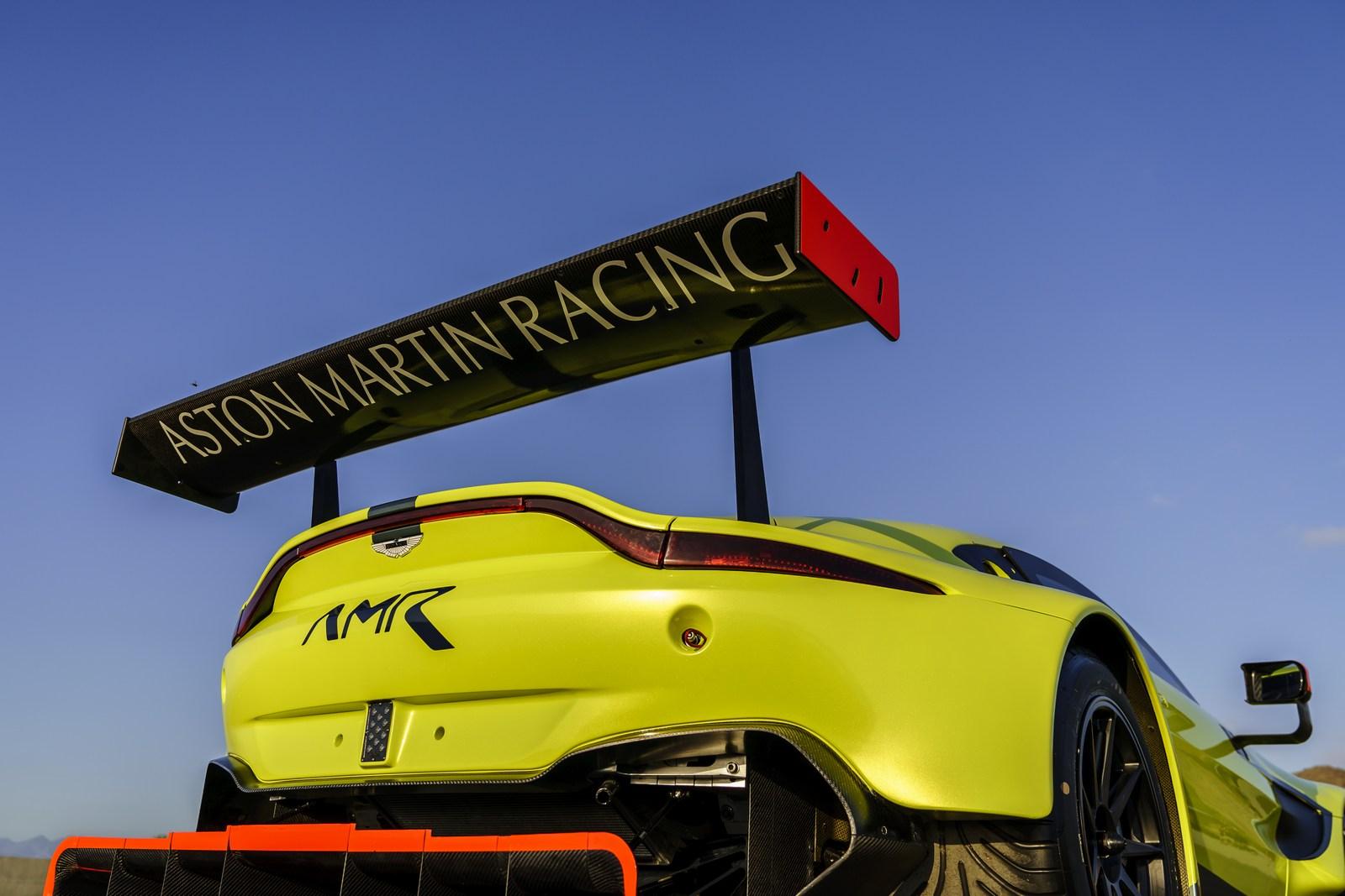 Aston_Martin_Vantage_GTE_12