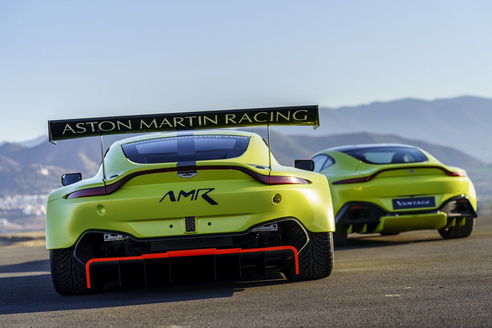 Aston_Martin_Vantage_GTE_16