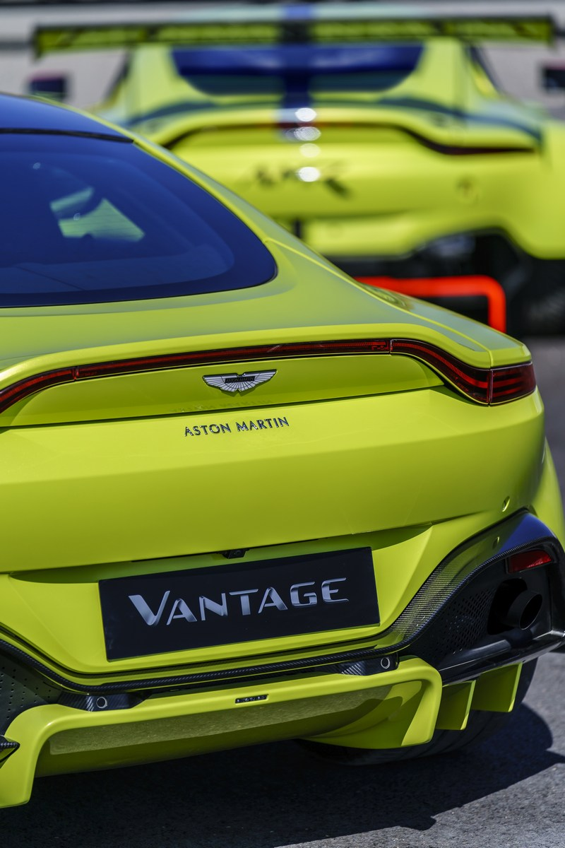 Aston_Martin_Vantage_GTE_19