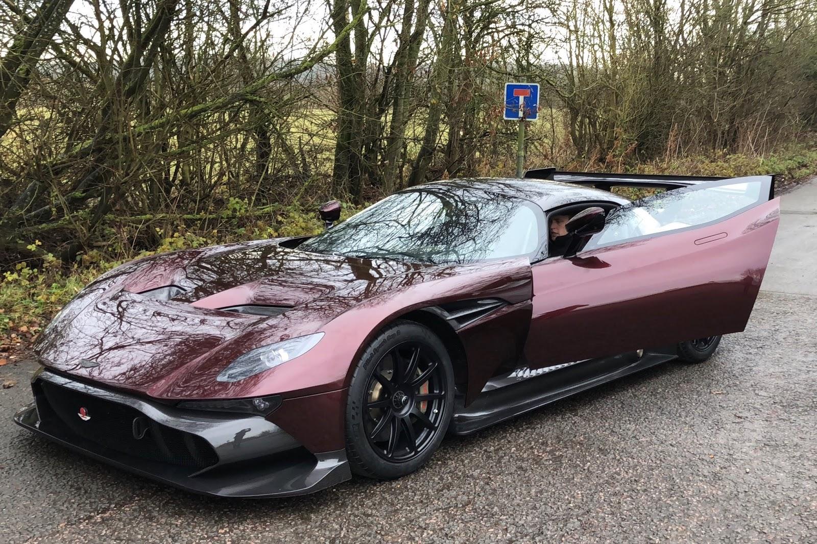 Aston Martin Vulcan street-legal (3)