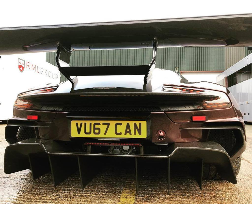 Aston Martin Vulcan street-legal (8)
