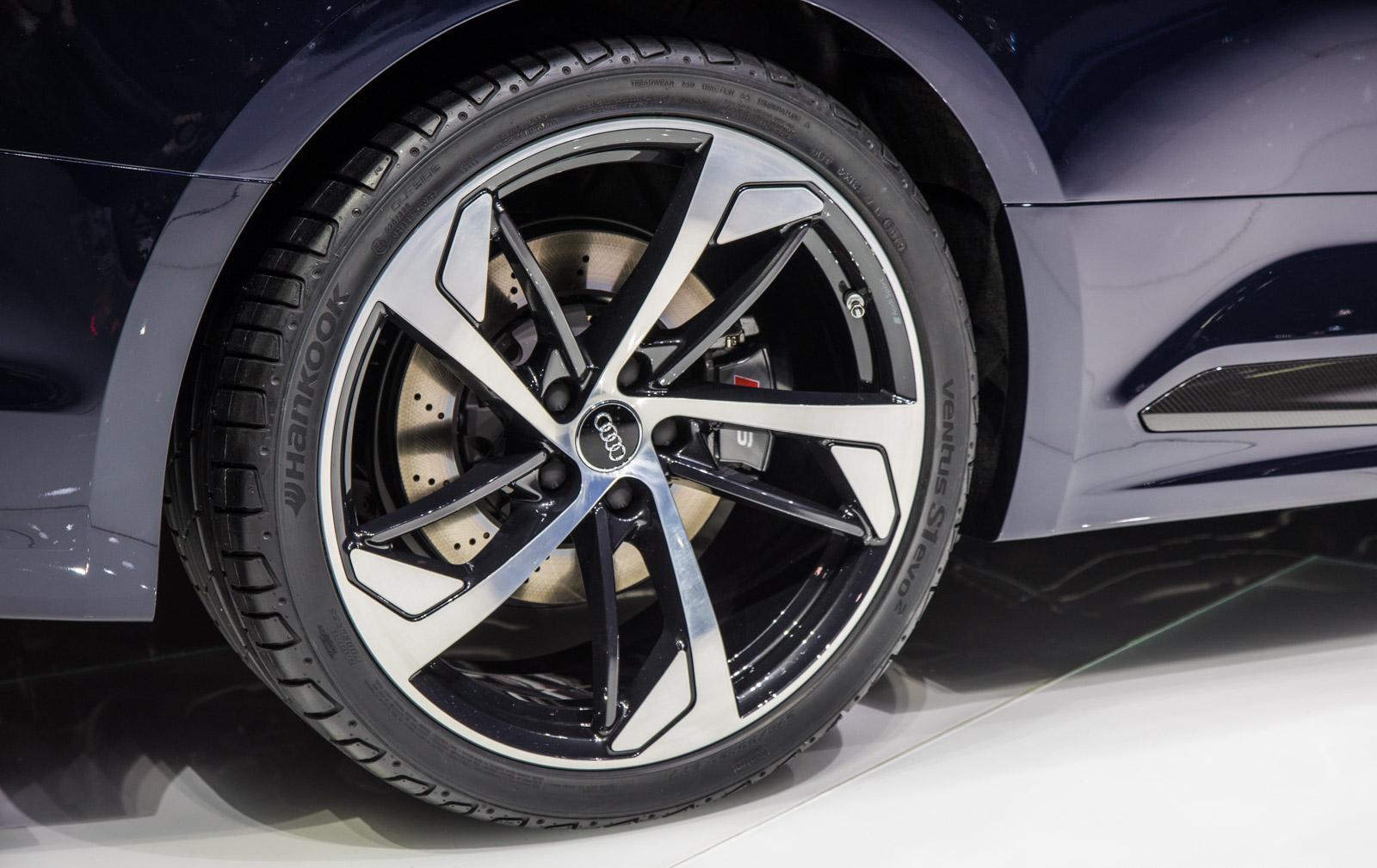 Audi-RS5-008