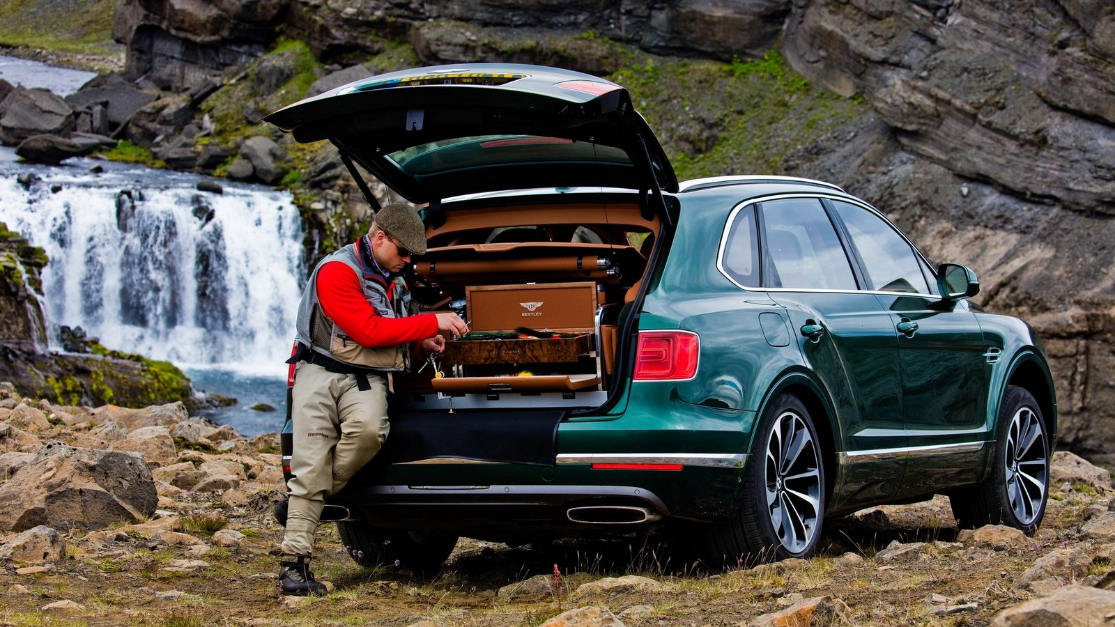 bentley-bentayga-fly-fishing-by-mulliner (5)