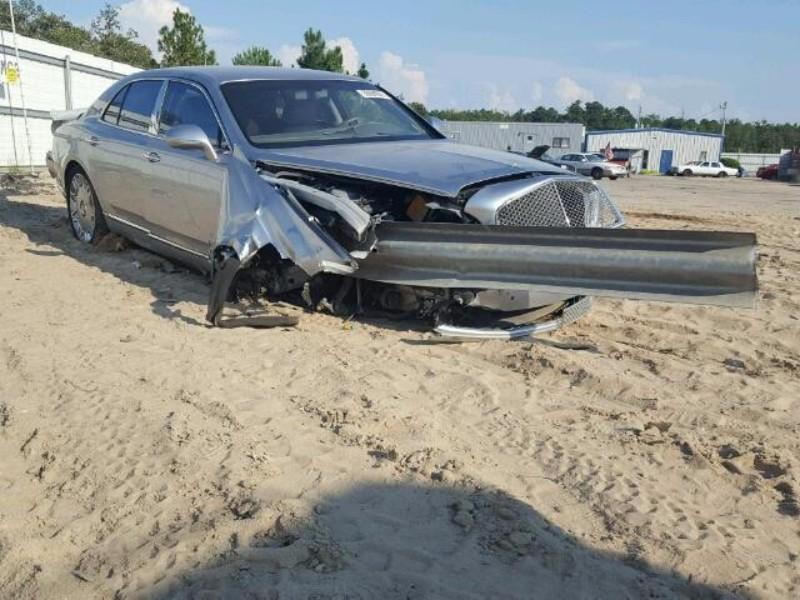 bentley-mulsanne-crash-vangrails-1