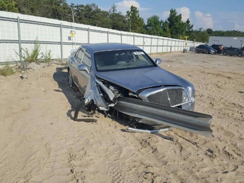 bentley-mulsanne-crash-vangrails-8