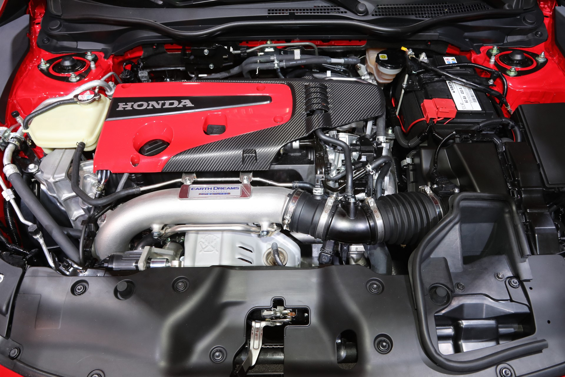2017-Honda-Civic-Type-R-engine