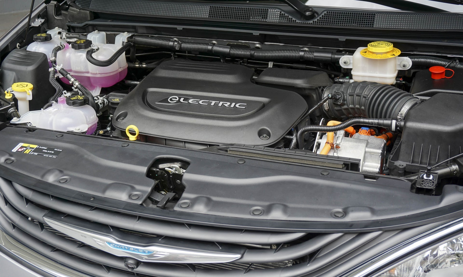 Chrysler Pacifica Hybrid engine