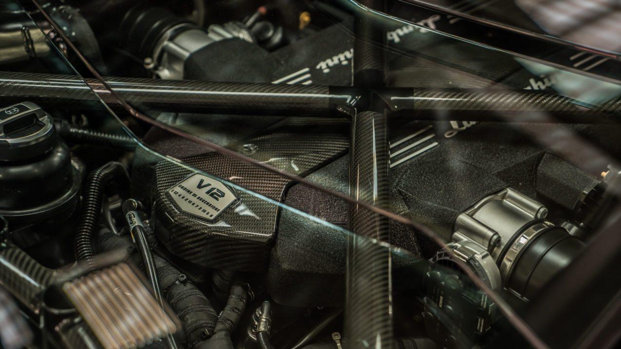Black&Gold_Lamborghini_Aventador_SV_05