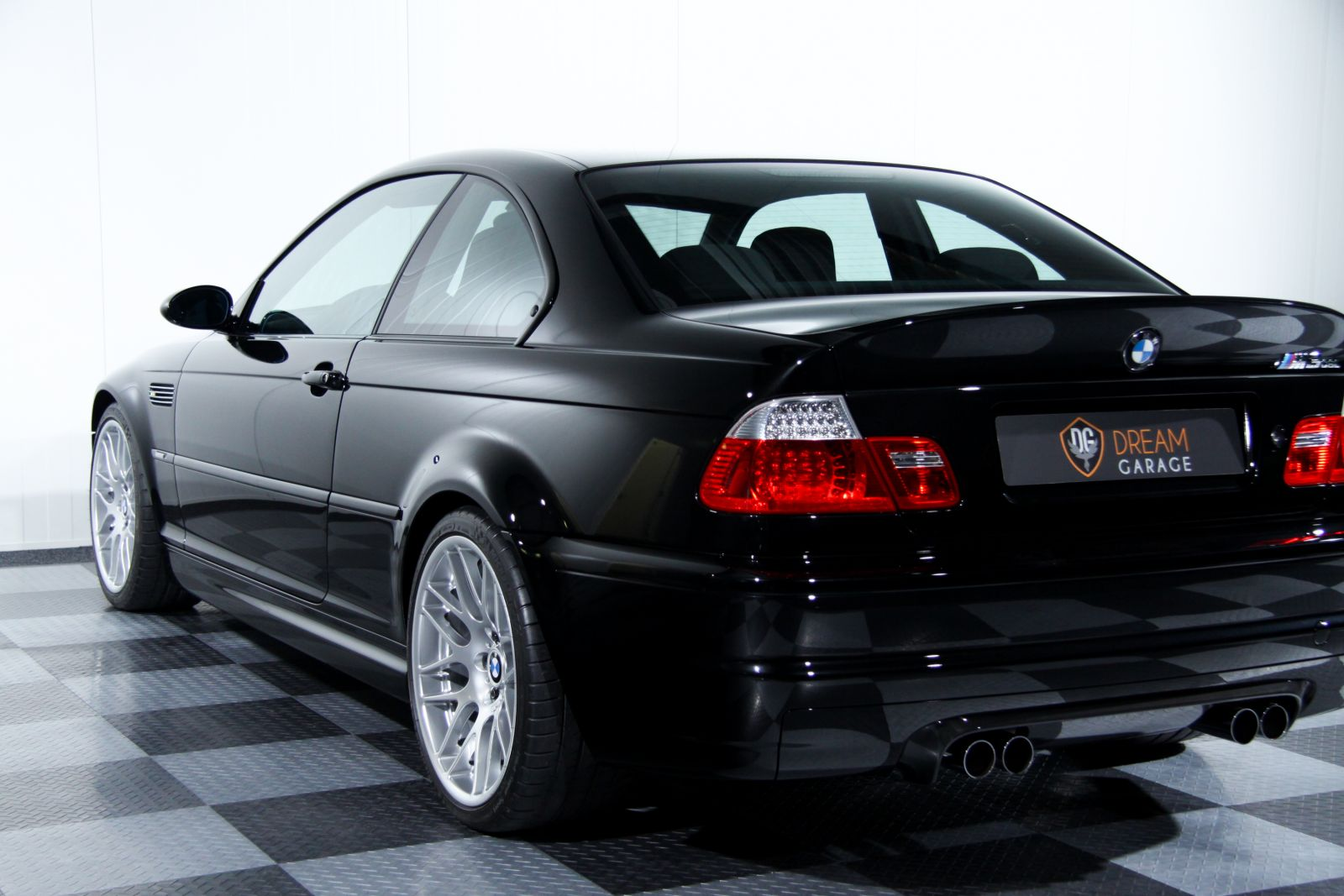 Black_BMW_M3-CSL_0018