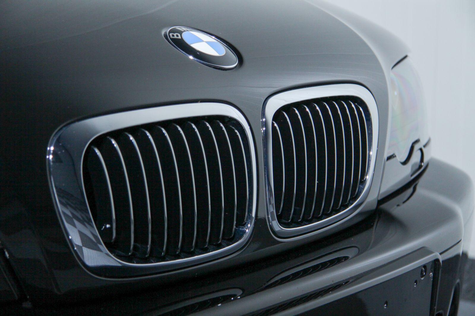 Black_BMW_M3-CSL_0021