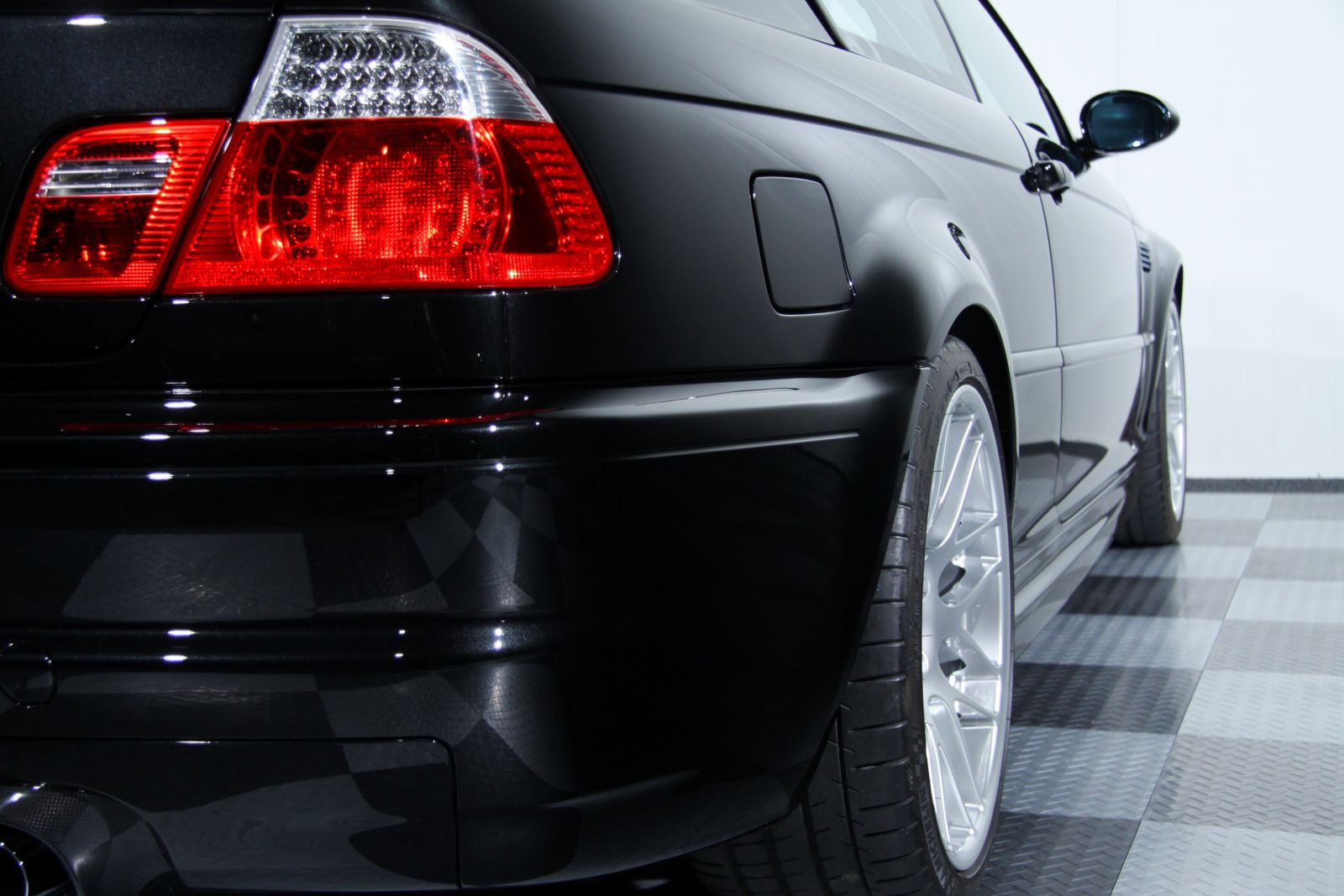 Black_BMW_M3-CSL_0035