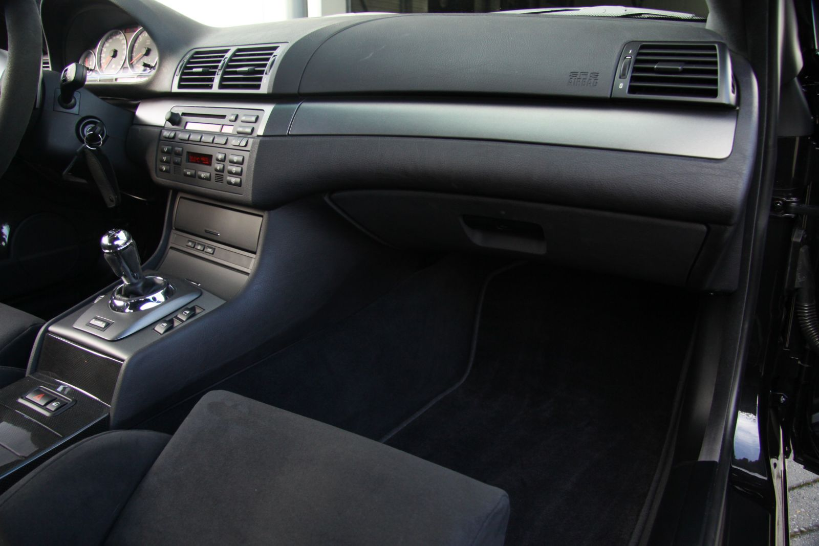 Black_BMW_M3-CSL_0046