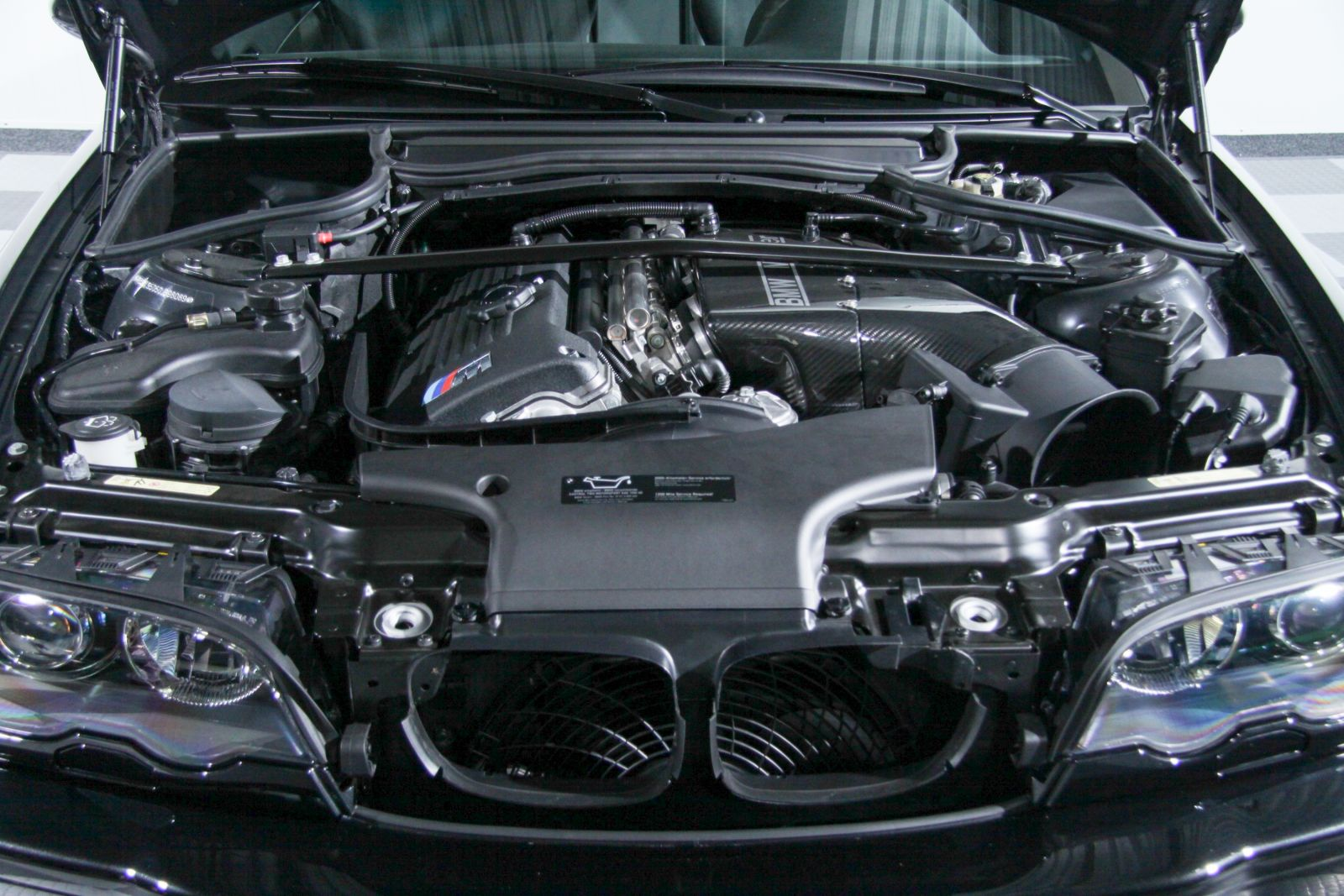 Black_BMW_M3-CSL_0056
