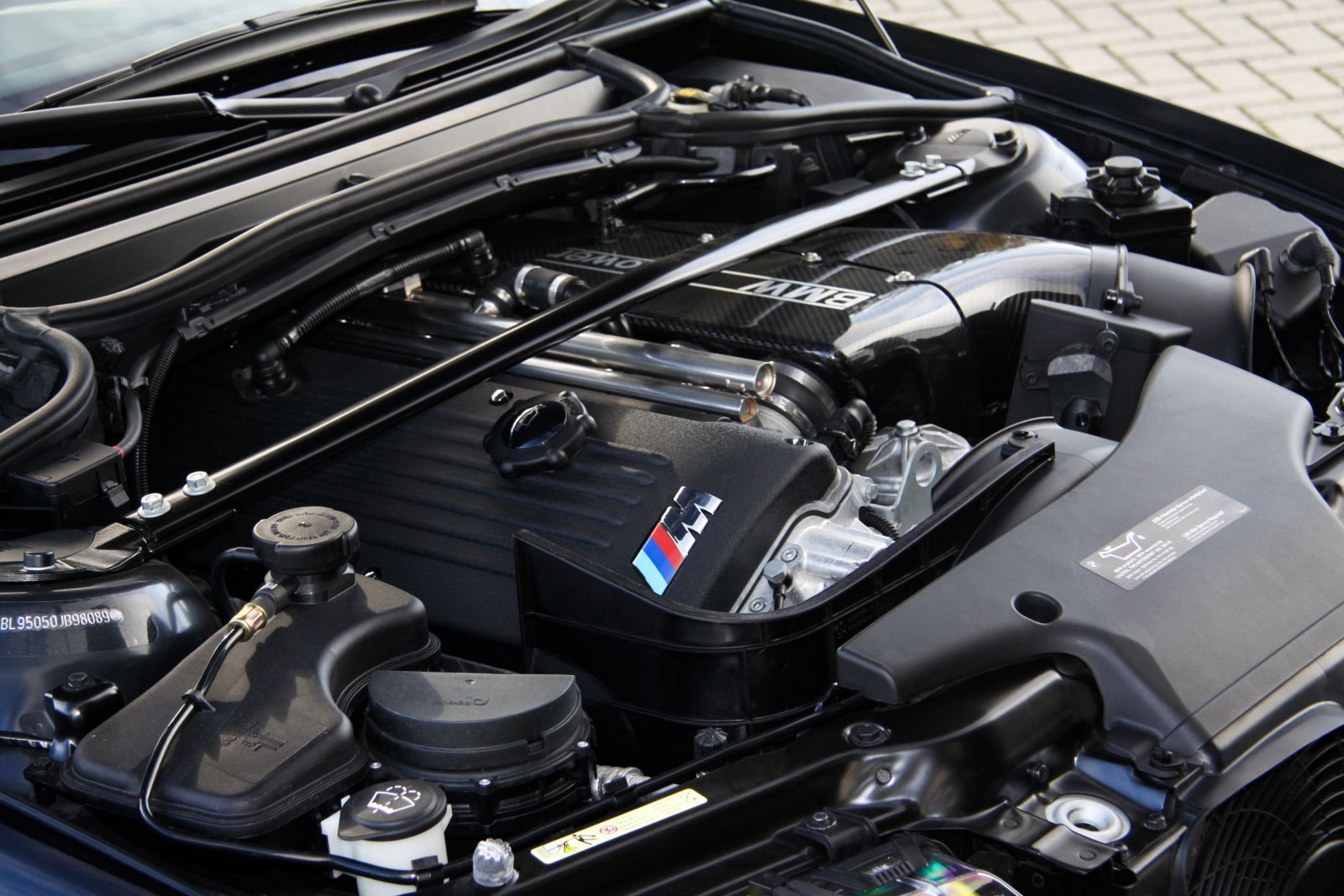 Black_BMW_M3-CSL_0058