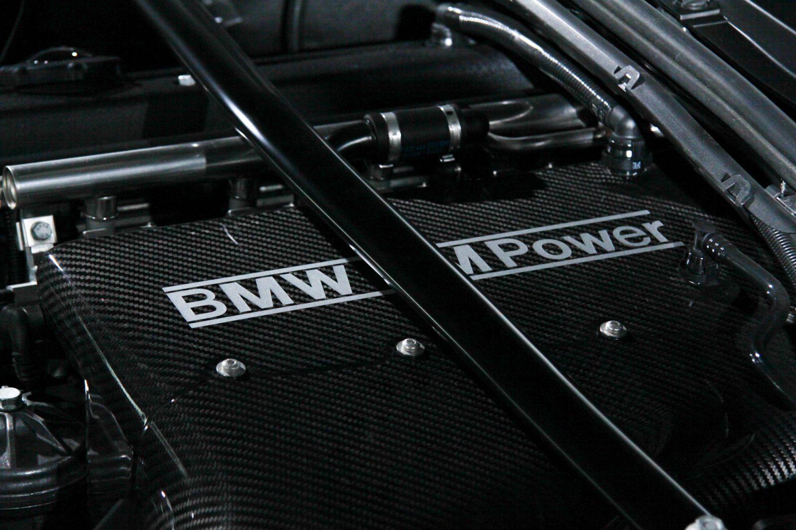 Black_BMW_M3-CSL_0060