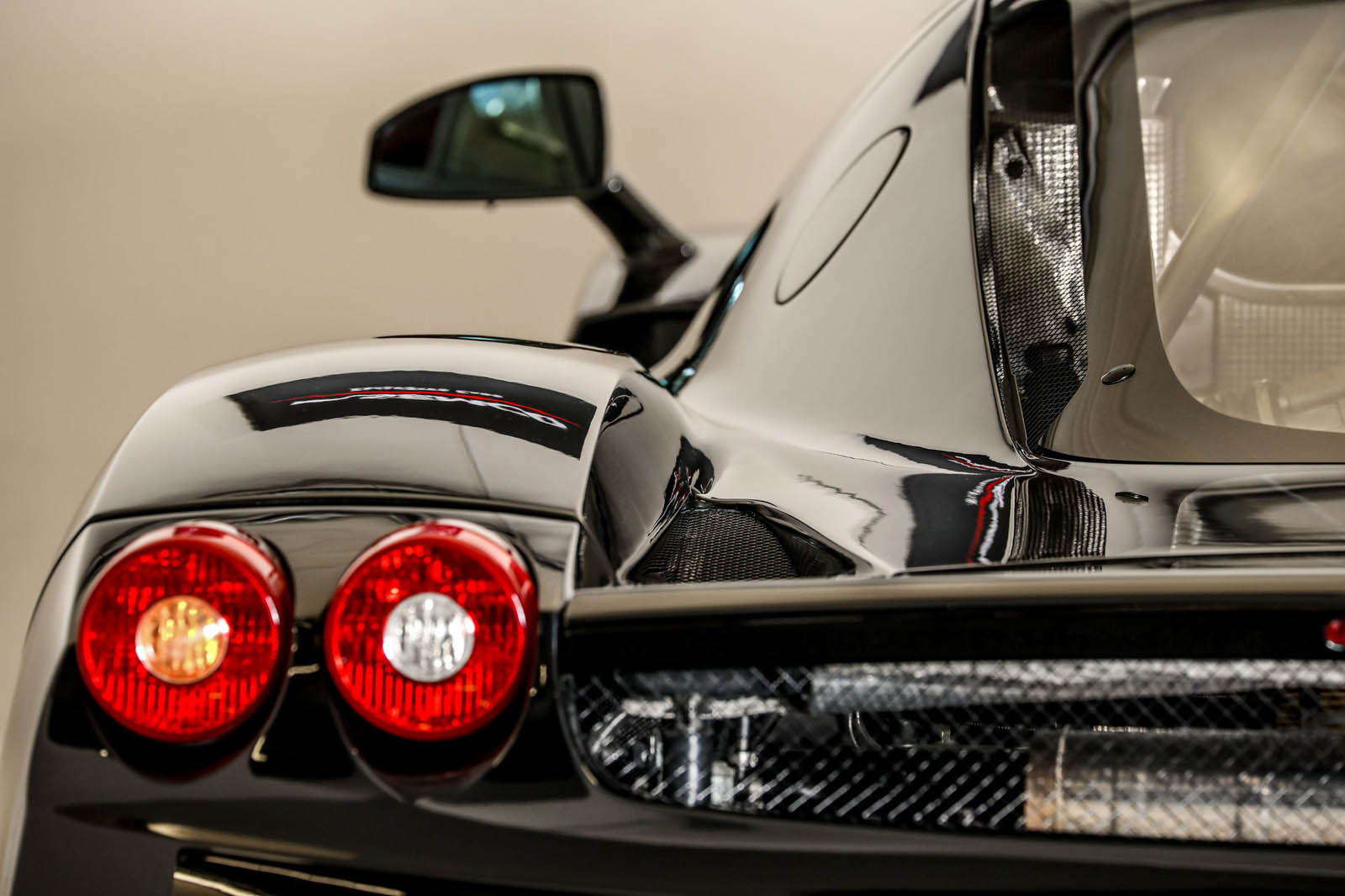 Black Ferrari Enzo for sale (1)