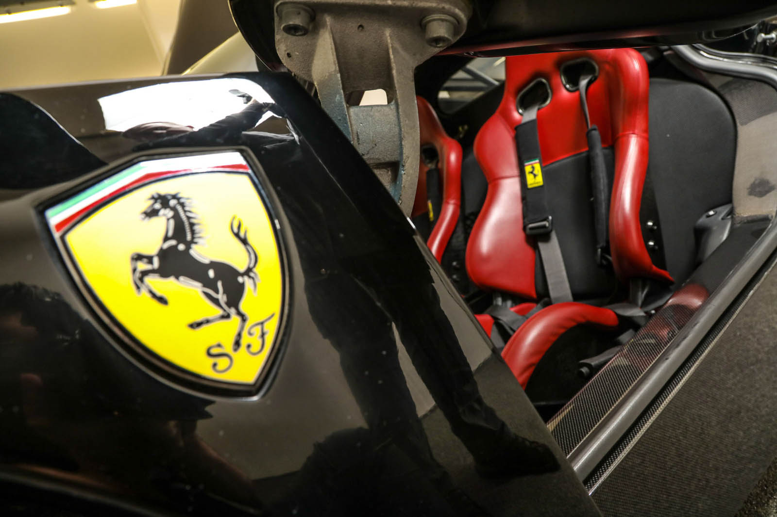 Black Ferrari Enzo for sale (4)