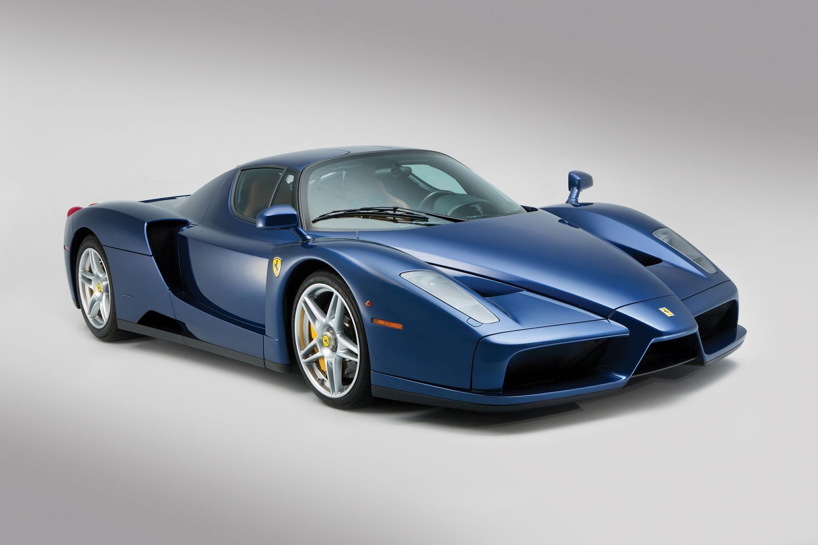 Blue Ferrari Enzo in auction (1)