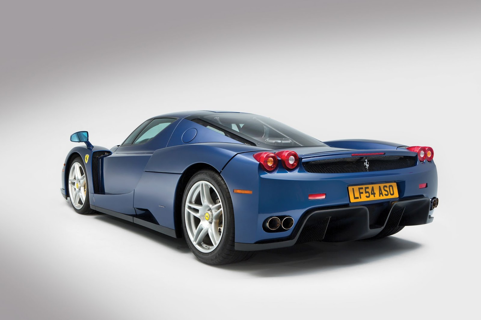 Blue Ferrari Enzo in auction (2)