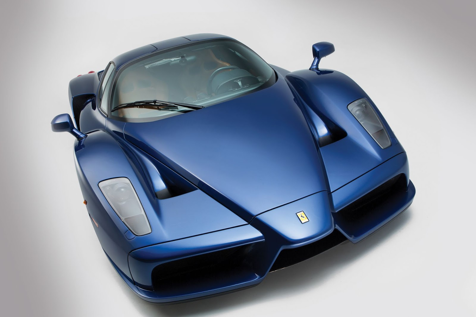 Blue Ferrari Enzo in auction (3)