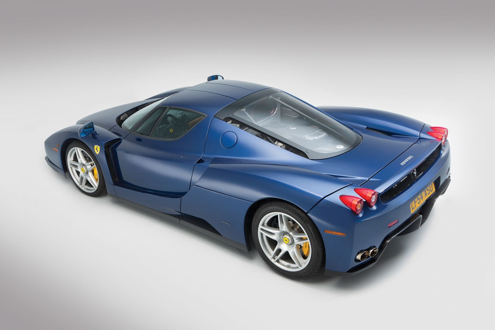 Blue Ferrari Enzo in auction (4)