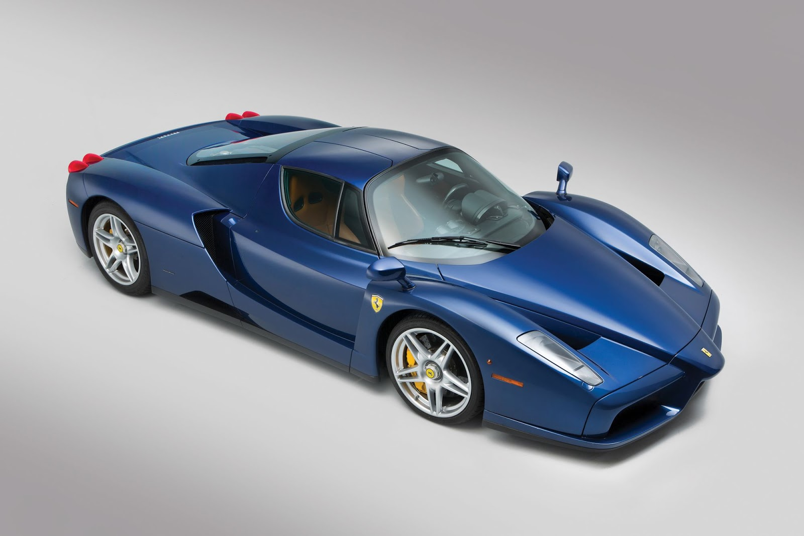 Blue Ferrari Enzo in auction (6)