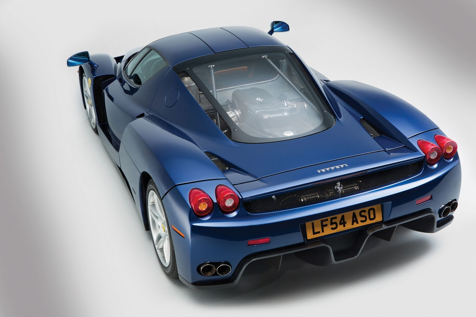 Blue Ferrari Enzo in auction (7)