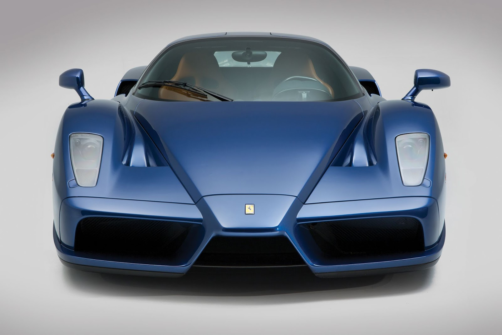 Blue Ferrari Enzo in auction (9)