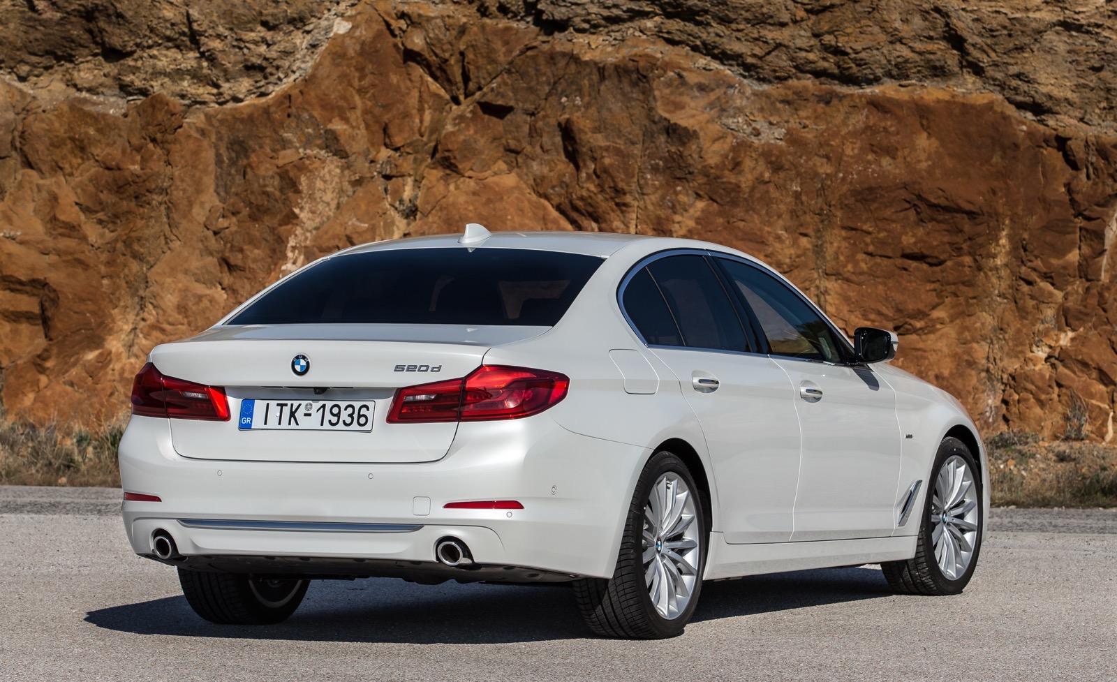 BMW_5_Series_Luxury_Line_13
