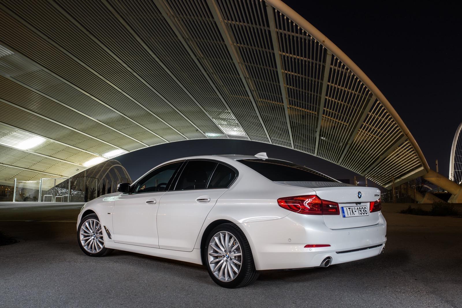 BMW_5_Series_Luxury_Line_14